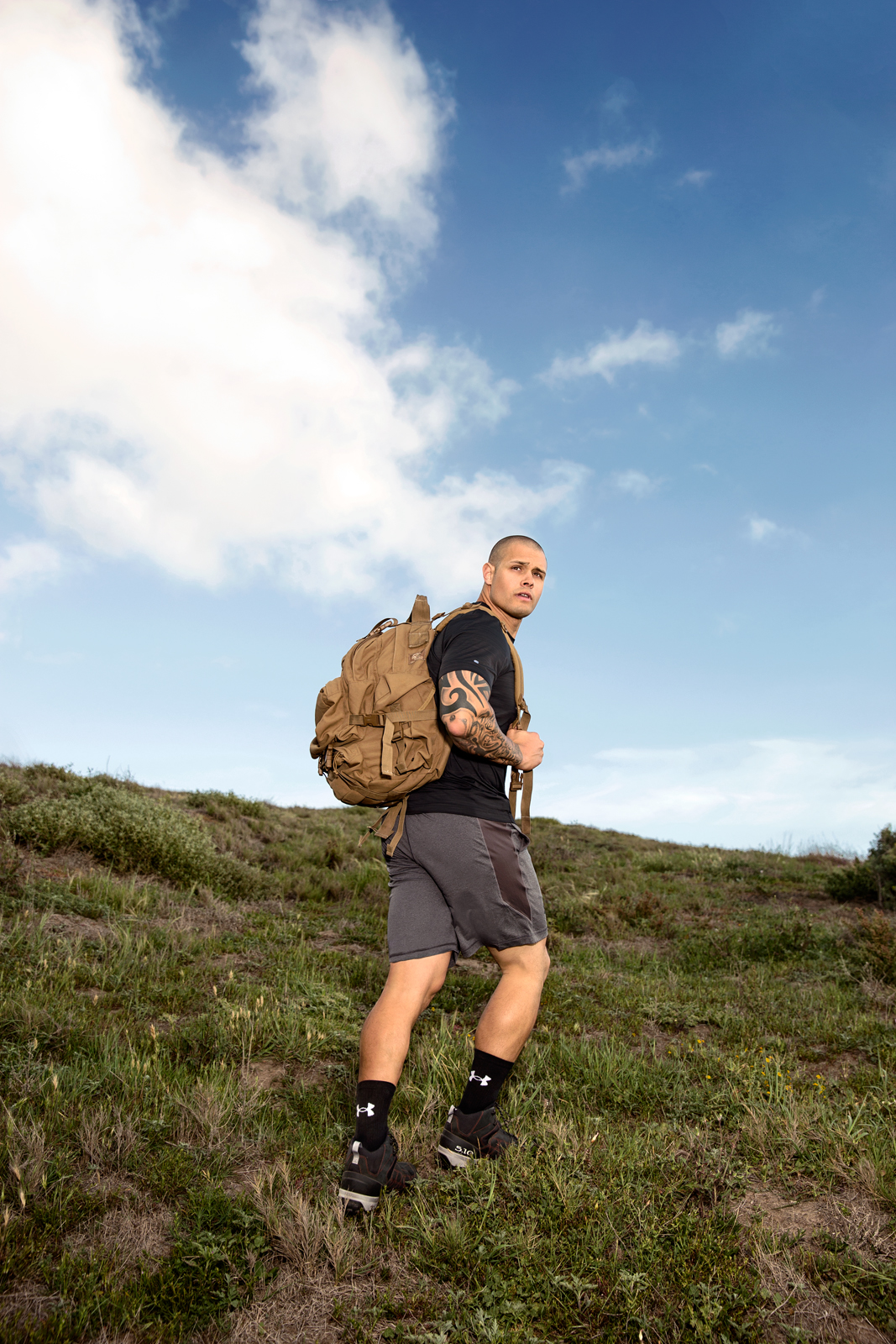 MensHealth_Rucking_01